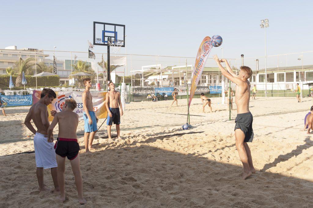 Festival Basket 2014 Beach Basket